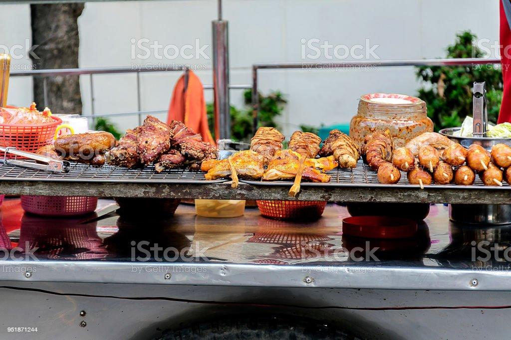 Thai street food vendor in Bangkok. - Stock image .