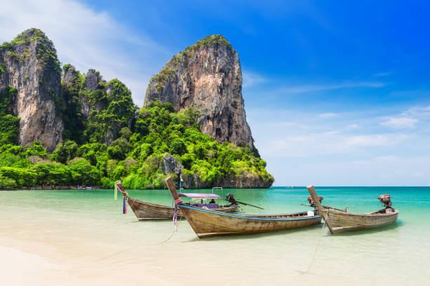 Thai traditionelle hölzerne Longtail-Boot – Foto