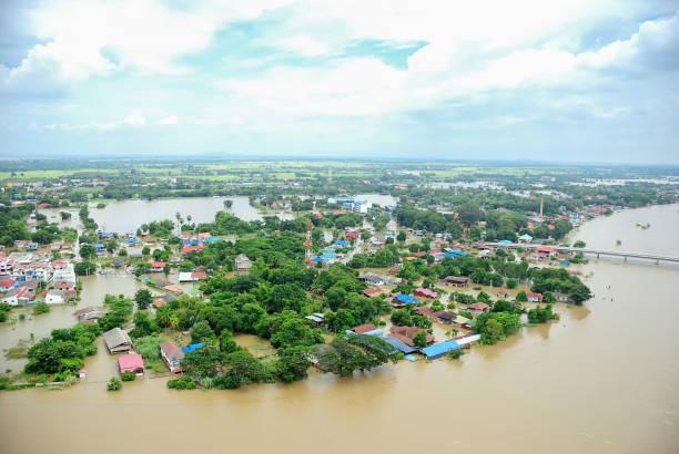 inondations de thaïlande, catastrophe naturelle, - desastre natural photos et images de collection