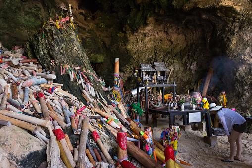 Tham Phra Nang Cave — стоковые фотографии и другие картинки Гора