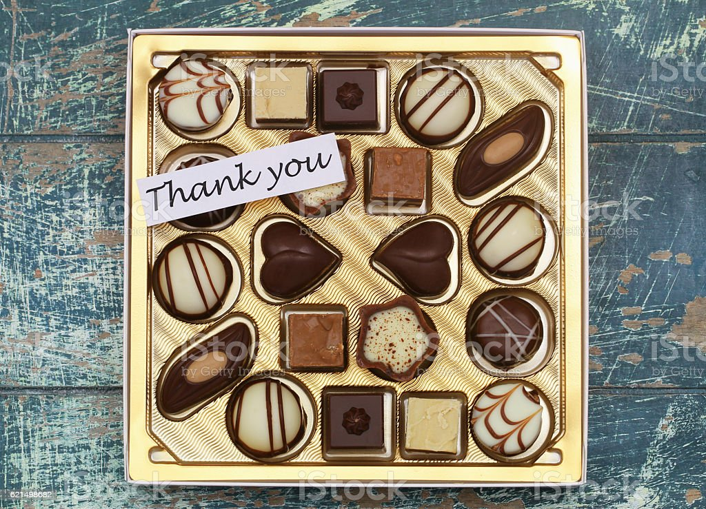 Thank you card with box of assorted milky, white chocolates foto stock royalty-free