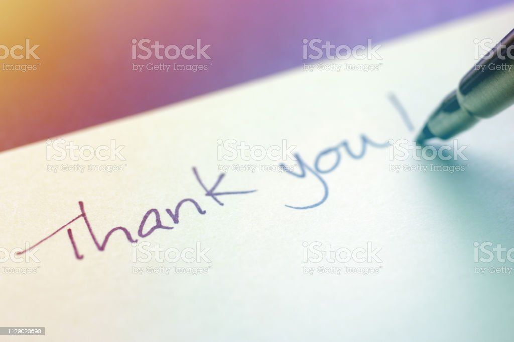 Thank You Written with a Pen on Sticky Note - Стоковые фото Thank You - английское словосочетание роялти-фри