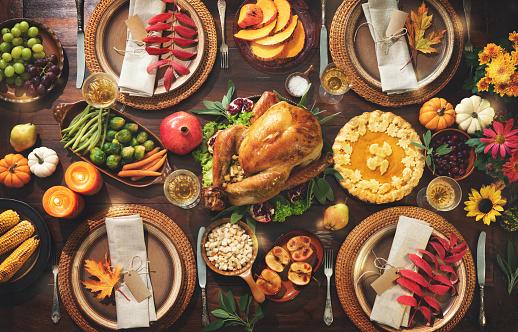 Thanksgiving Celebration Traditional Dinner - zdjęcia stockowe i więcej obrazów Bankiet