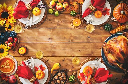Thanksgiving Celebration Traditional Dinner Setting Meal Concept - zdjęcia stockowe i więcej obrazów Bankiet