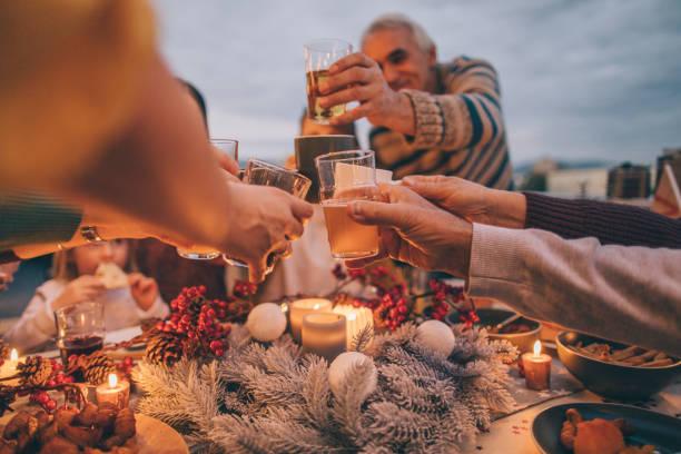 Thanksgiving celebratory toast - foto stock
