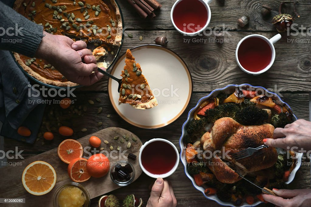 Thanksgiving dinner on the wooden table top view – Foto