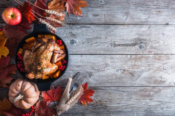 thanksgiving dinner - thanksgiving turkey стоковые фото и изображения