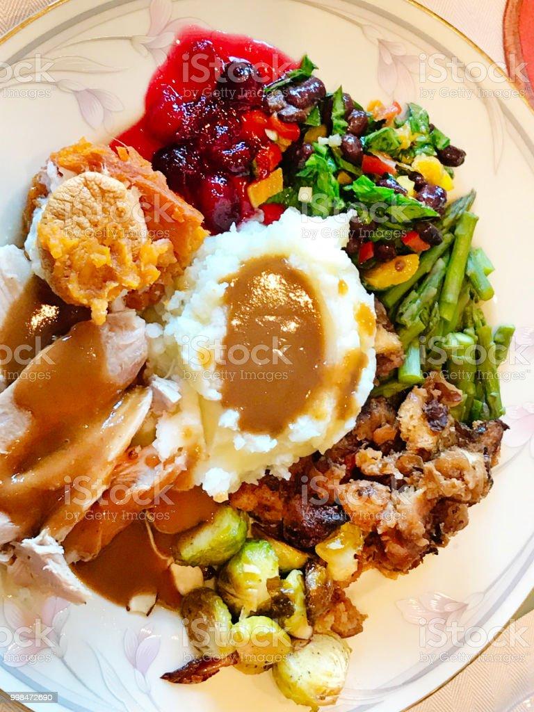 Prato de jantar de ação de Graças com ceia de peru assado - foto de acervo