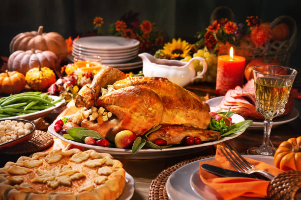 thanksgiving turkey dinner - thanksgiving stock pictures, royalty-free photos & images