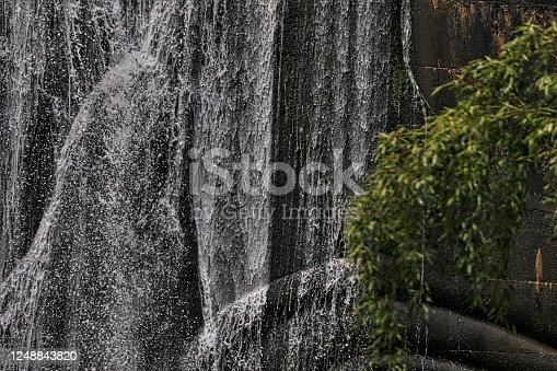 that flows down the dam vigorously
