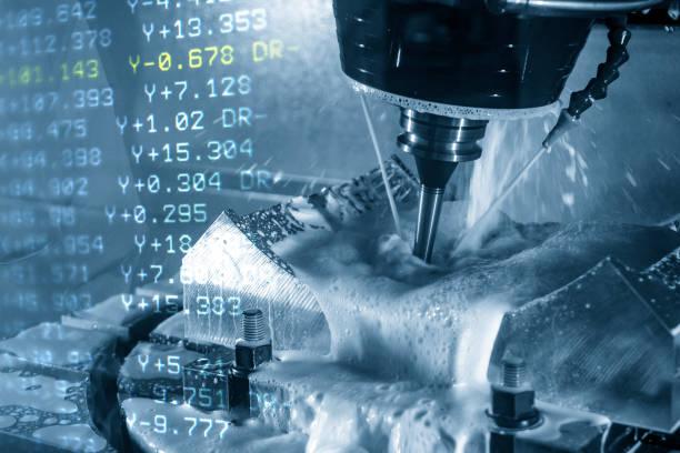 de abstracte scène van de 5-assige cnc bewerkingscentrum en de g-codedata. - cnc machine stockfoto's en -beelden