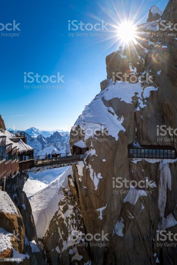 Aiguille Du Midi Gangbron Chamonix Nalar Mont Blanc Hautesavoie Alperna Frankrike Foton Och Fler Bilder Pa Aiguille De Midi Istock