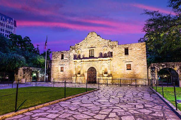 the alamo at dawn - the alamo stock photos and pictures