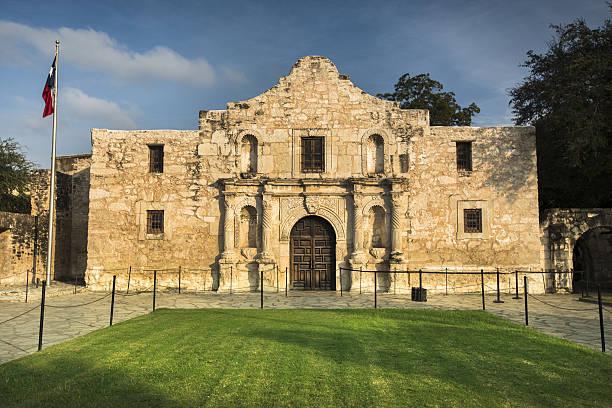 the alamo in san antonio, texas, usa - the alamo stock photos and pictures
