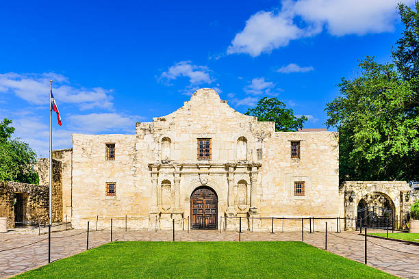 the alamo in texas - the alamo stock photos and pictures