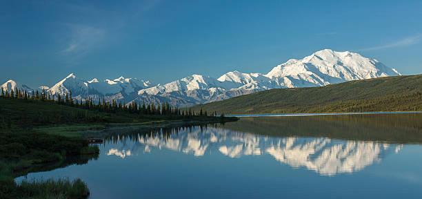the alaska range reflected in wonder lake, denali national park - denali national park bildbanksfoton och bilder