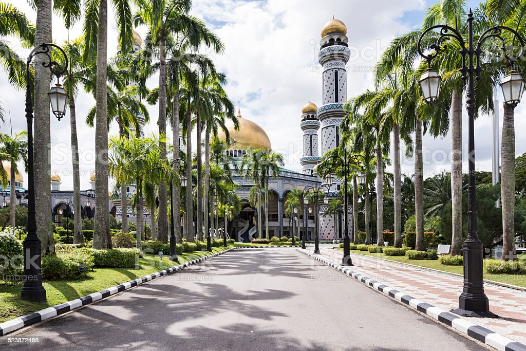 The alley to Jame'asr Hassanil Bolkiah Mosque stock photo