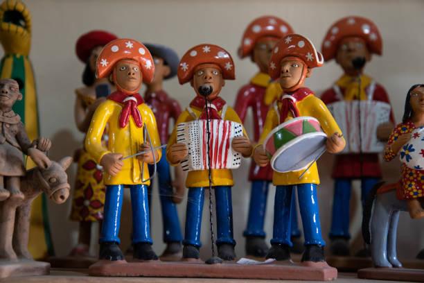 o bairro alto do moura é conhecido por sua arte cerâmica. - nordeste - fotografias e filmes do acervo