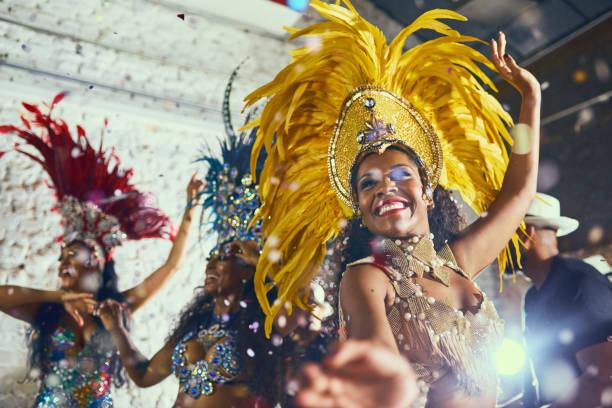 the amazing feeling of dancing the night away - samba imagens e fotografias de stock