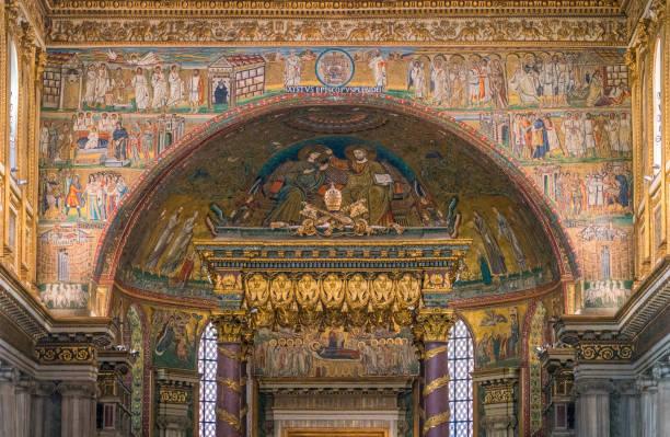 die apsis der basilika santa maria maggiore in rom, italien. - römisch 6 stock-fotos und bilder