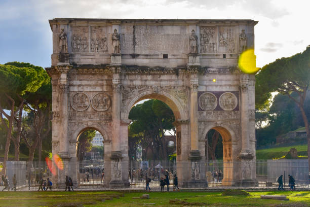 The Arch of Constantine (Arco di Costantino) Between the Colosseum and the Palatine Hill in Rom stock photo