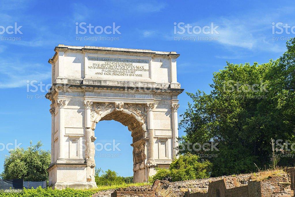 El Arco De Tito En Foro Romano Roma Foto De Stock Y Mas Banco De