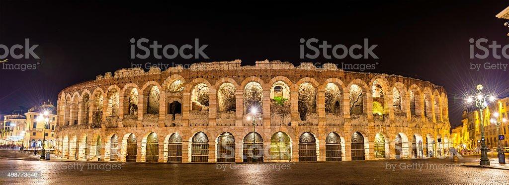 Die Arena di Verona in der Nacht, Italien – Foto