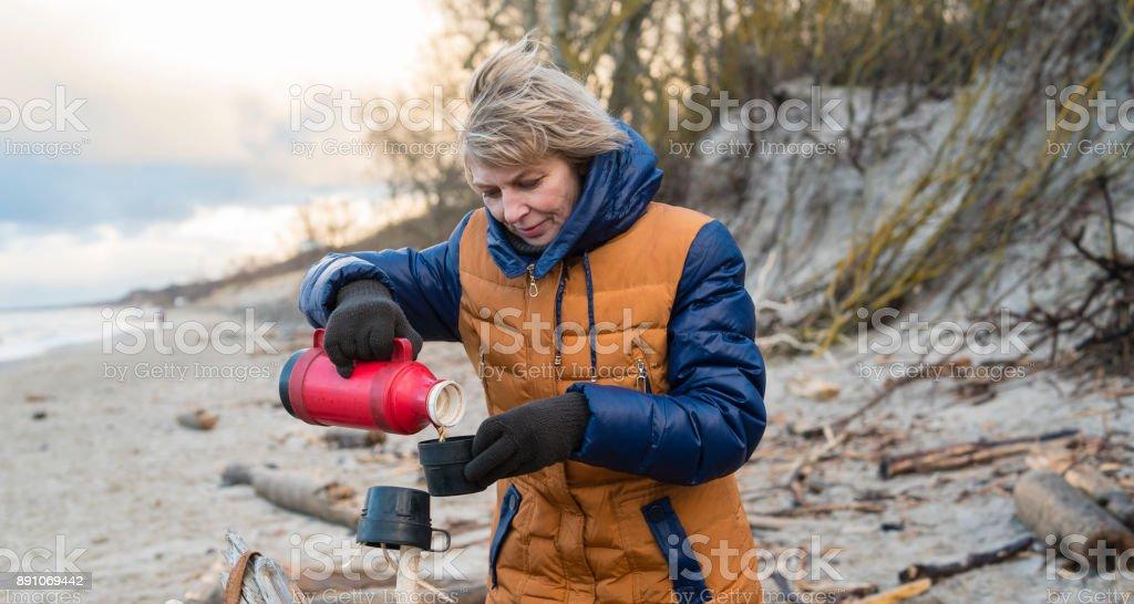 LAURA: Aletta Ocean Foot