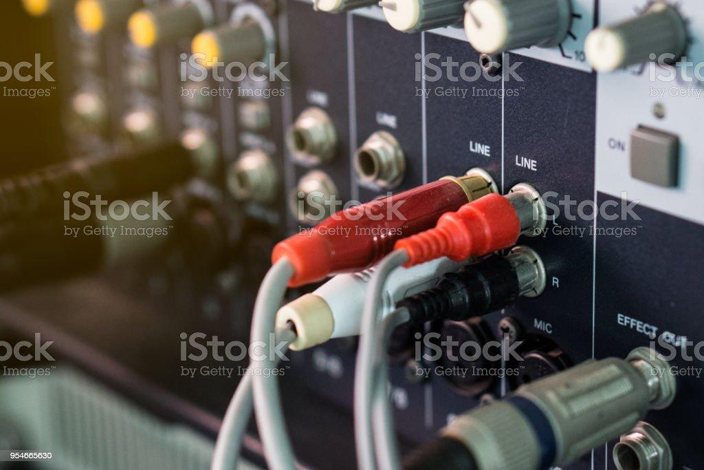 Donc, une fois branché et activé, ces petits appareils reçoivent les signaux de.