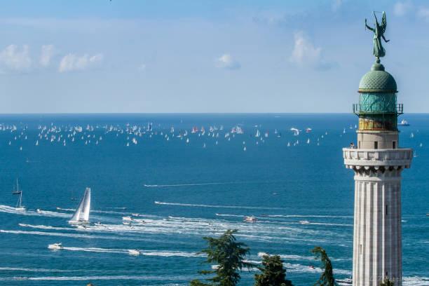die barcolana regatta (segeln-herbst-cup) - friaul julisch venetien stock-fotos und bilder