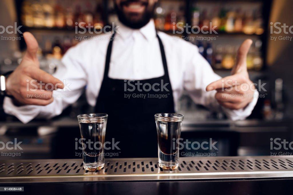Barkeeper aus einem Kunden Dating rochester ny