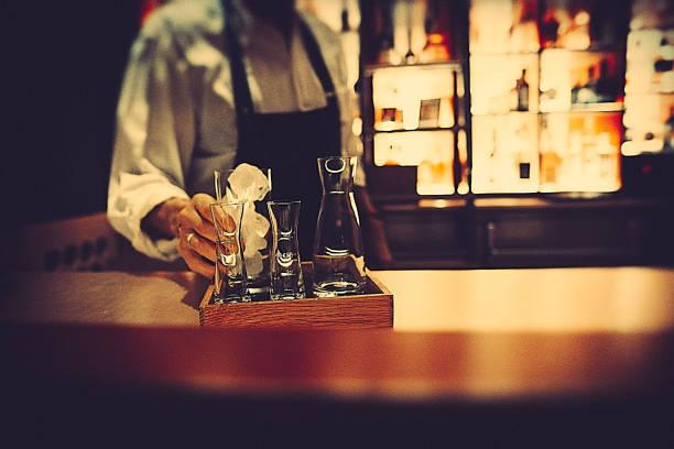 The bartender picture id1056449484?b=1&k=6&m=1056449484&s=612x612&w=0&h=03zpesciy qus3uzzkt60yahk1 xbzp21odftrlhoz8=