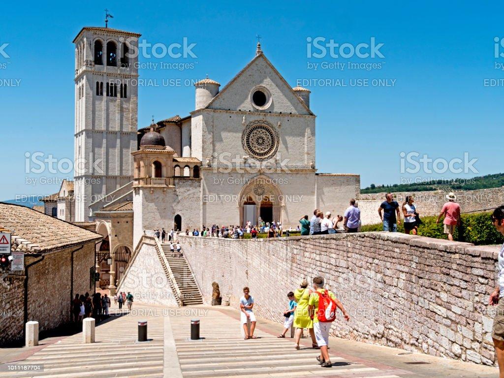 Assisi, Italy - April 9, 2018:  The Basilica of San Francesco d'Assisi. - foto stock