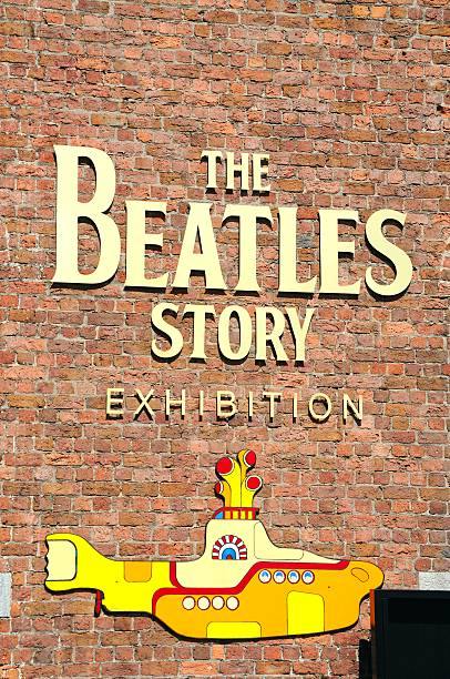 "the beatles story -schild."" - beatles band stock-fotos und bilder"