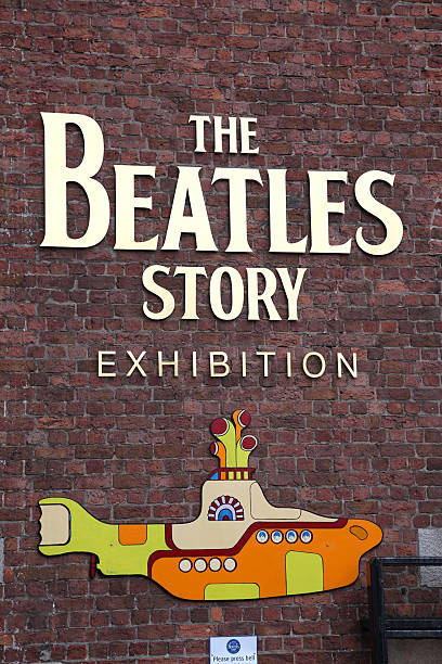 the beatles story museum eingang - beatles band stock-fotos und bilder