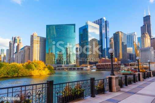 852738732istockphoto The beautiful city skyline of Chicago Illinois 187618548