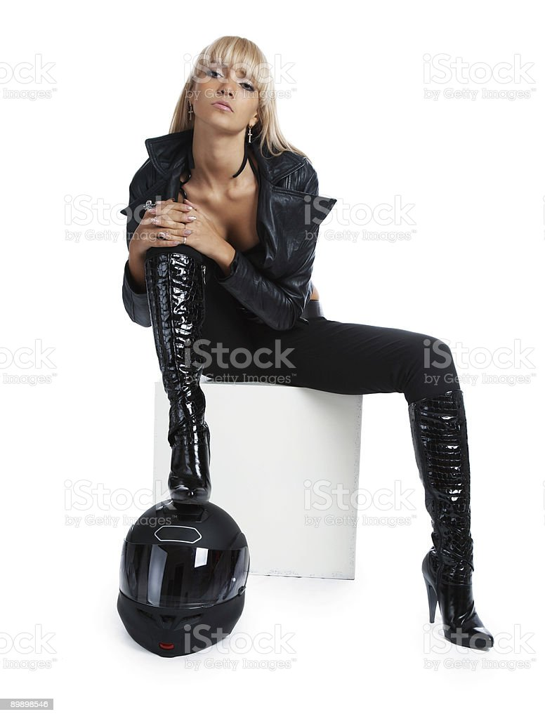 Das schöne Mädchen mit Motorrad-Helm Lizenzfreies stock-foto