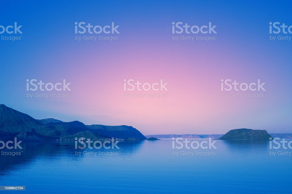 Der wunderschönen felsigen Küste in den frühen Morgenstunden – Foto