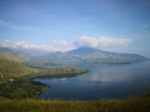 The beautiful view of lake toba picture id1137642774?b=1&k=6&m=1137642774&s=612x612&w=0&h=9naghql3mzyzdfcylp szx1kjqdh6zhg44cl3w7bulw=