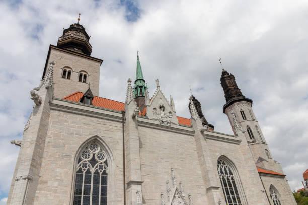 Die schöne Kathedrale von Visby in Schweden. – Foto