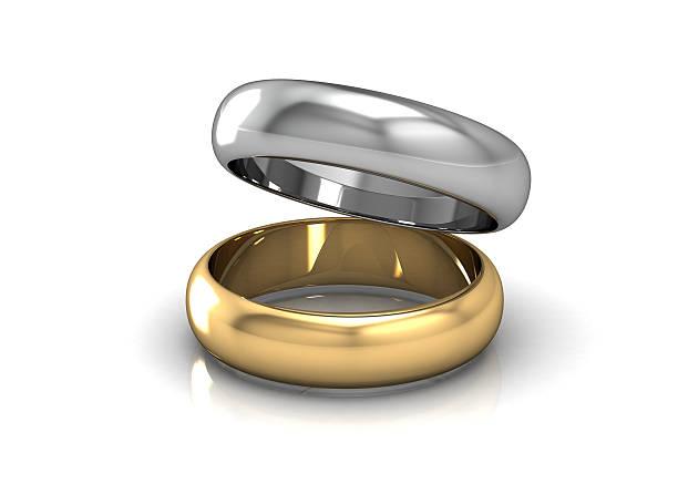 la bellezza fede nuziale - earring ring foto e immagini stock