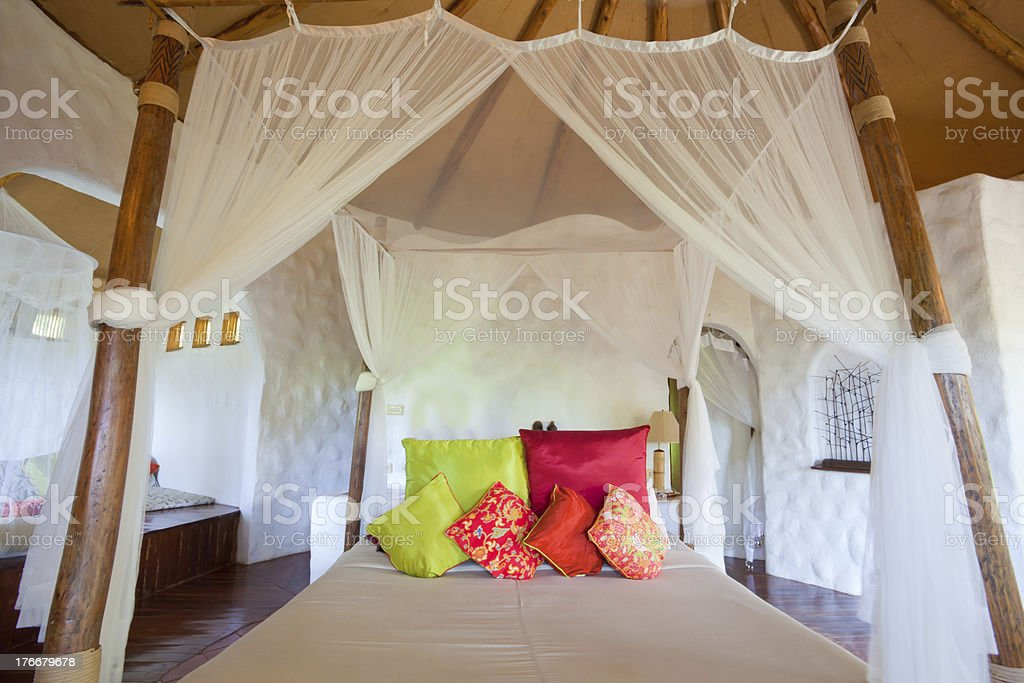 La habitación en estilo tailandés. foto de stock libre de derechos
