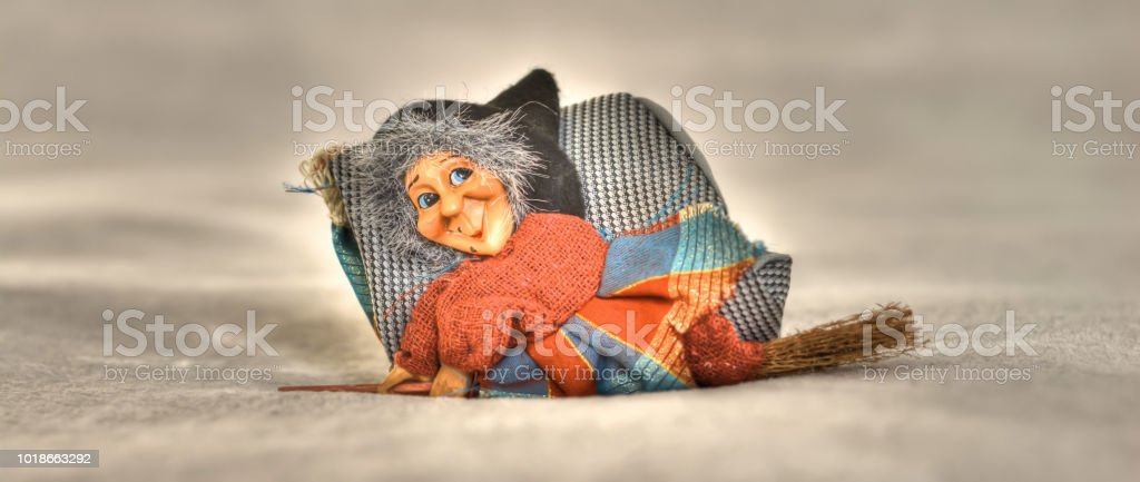 the Befana comes to the epiphany - foto stock