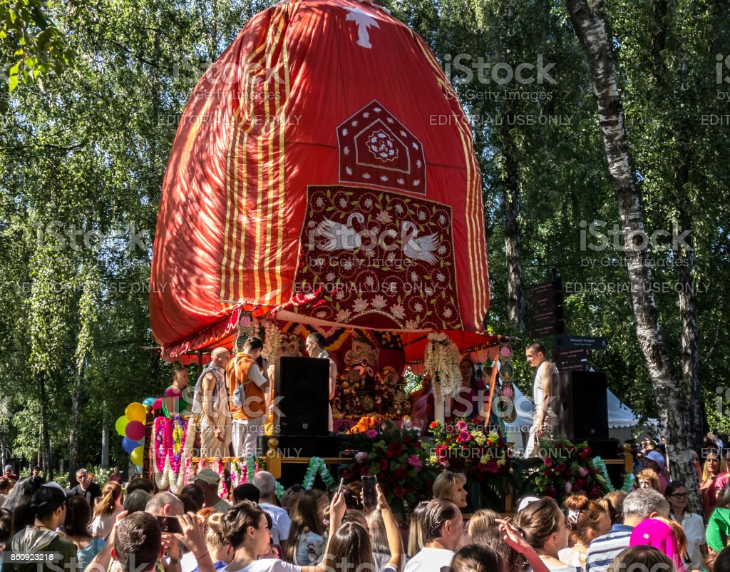 The beginning of the movement of the chariot of Krishna at the festival of Ratha Yatra stock photo