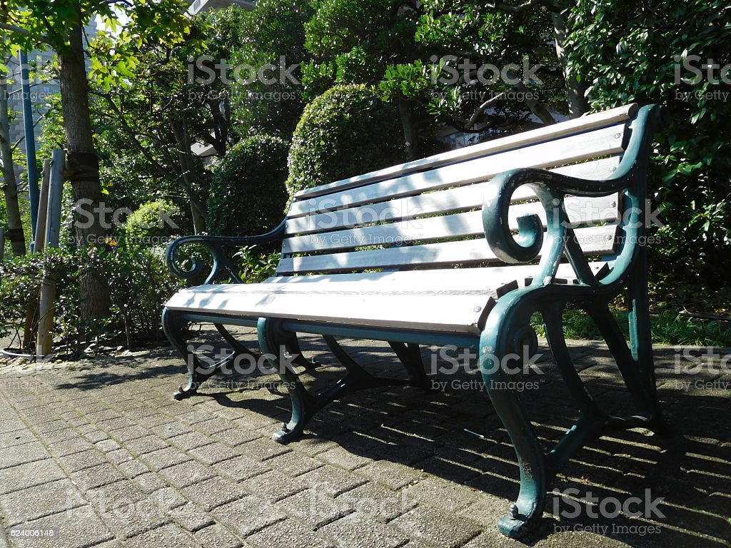 The bench at the walkway in the morning – Foto
