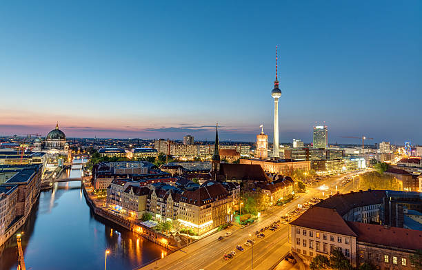 The Berlin skyline at night – Foto