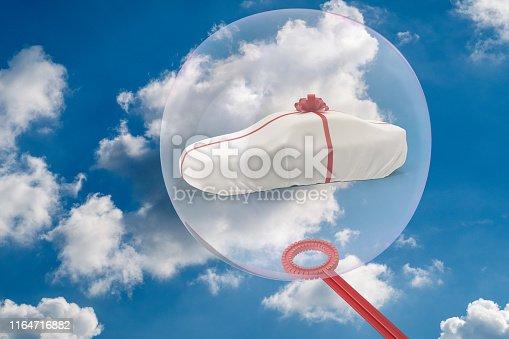 istock The big soap bubble encloses a car - 3D-Illustration 1164716882