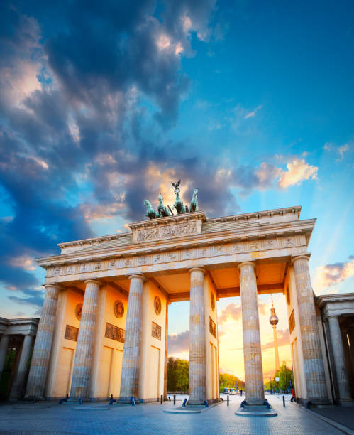 Brandenburger Tor und Fernsehturm in Berlin – Foto