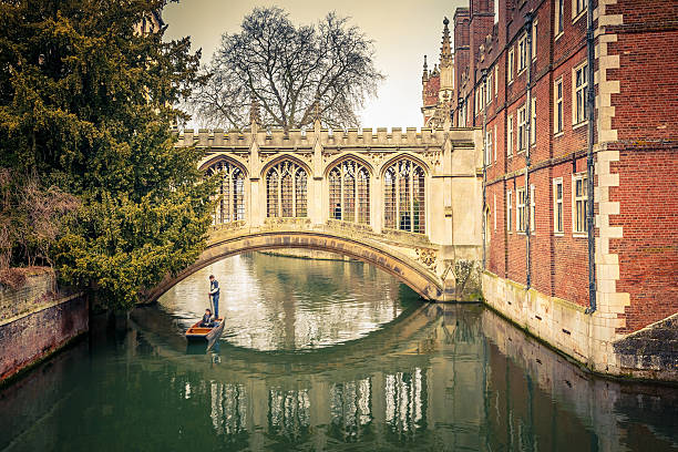 the bridge of sigh, cambridge - cambridge university stock photos and pictures