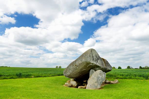 Der Brownshill Dolmen, eine herrliche megalithischen Granit Deckstein liegt im County Carlow, Irland. – Foto